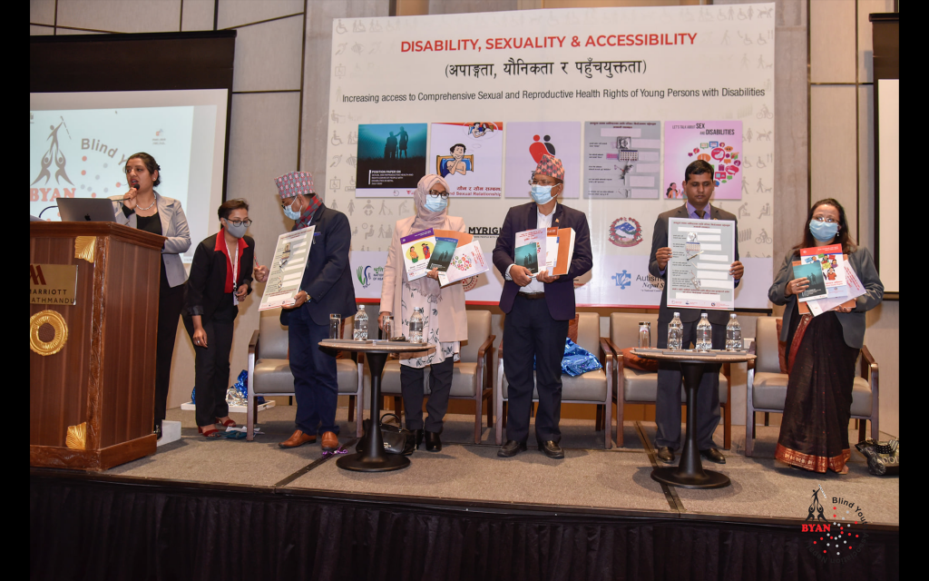 7 persons(4 female) in the stage disseminating accessible IEC